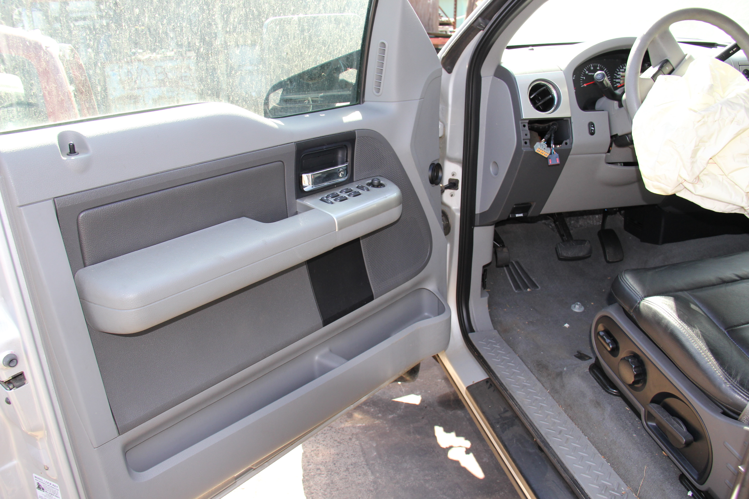 2004 Ford F 150 Xlt 5 4l Subway Truck Parts Inc Auto