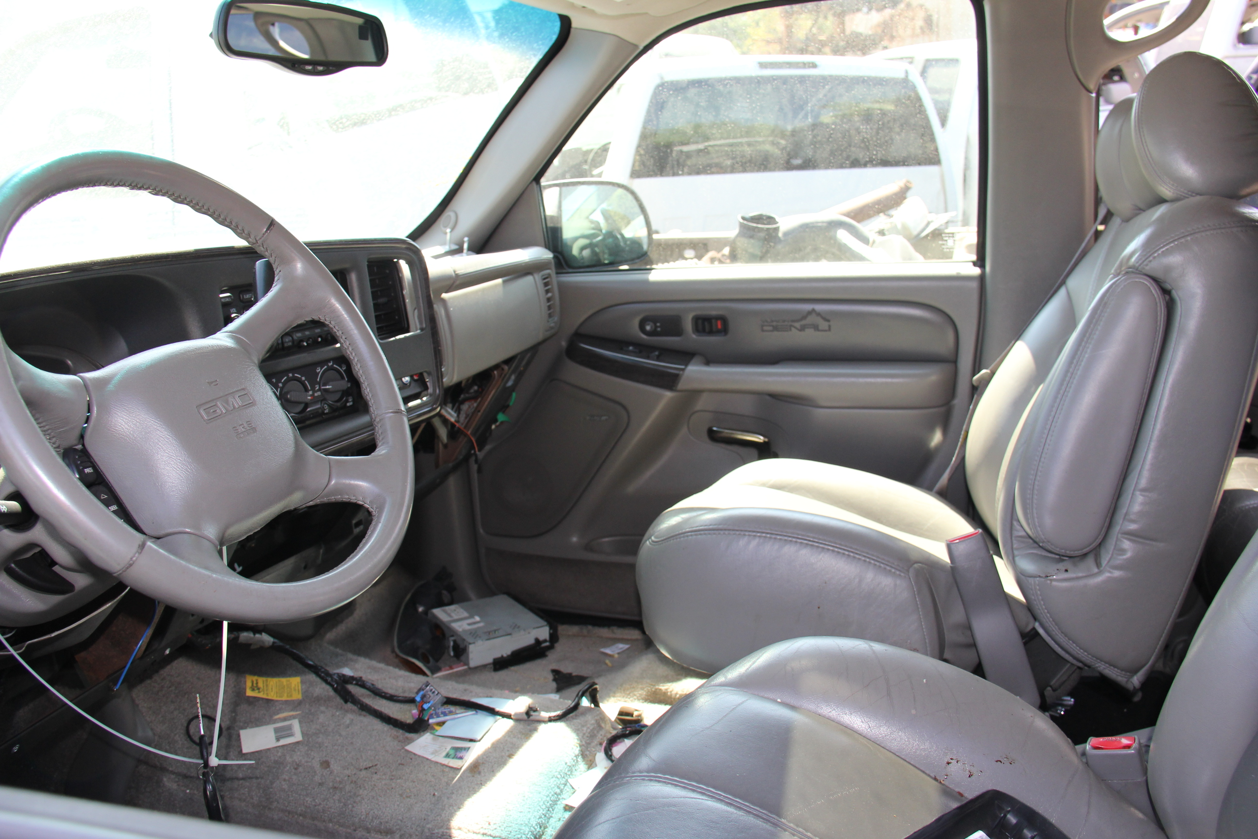 interior pictures of chevrolet miles chevy silverado and running