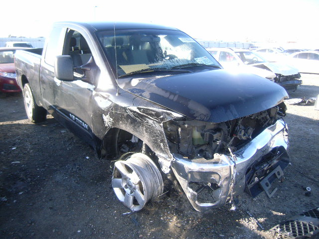 used 2006 nissan titan king cab 4x4 5 6l v8 zh70c auto salvage parts subway truck parts inc. Black Bedroom Furniture Sets. Home Design Ideas