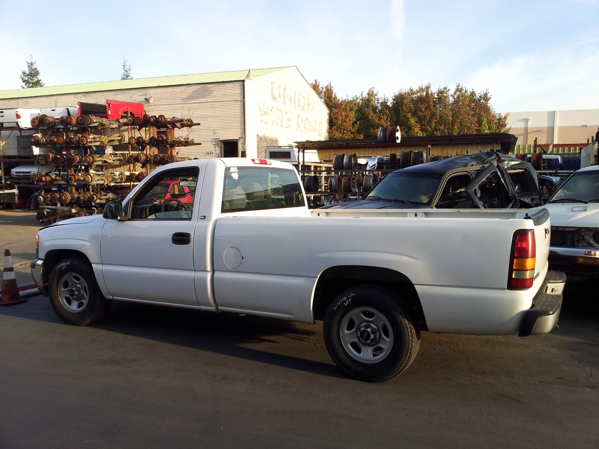 Used 2000 Gmc Sierra C1500 Regular Cab 2wd 4 3l V6 Truck