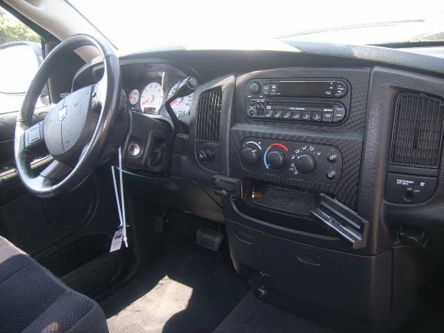 Used truck parts 2004 dodge ram 1500 2wd 5 7l hemi v8 - Dodge magnum interior accessories ...