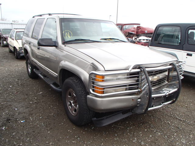 Parting Out 2000 Chevrolet Tahoe Z71 5 7l Vortec 5700 4l60e M30 Automatic