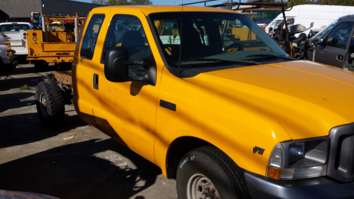 Parting Out 2002 Ford F250 2WD 5 4L V8 4R100 Automatic