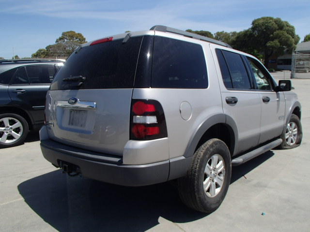 used parts 2006 ford explorer 2wd 4 0l v6 5r555. Black Bedroom Furniture Sets. Home Design Ideas