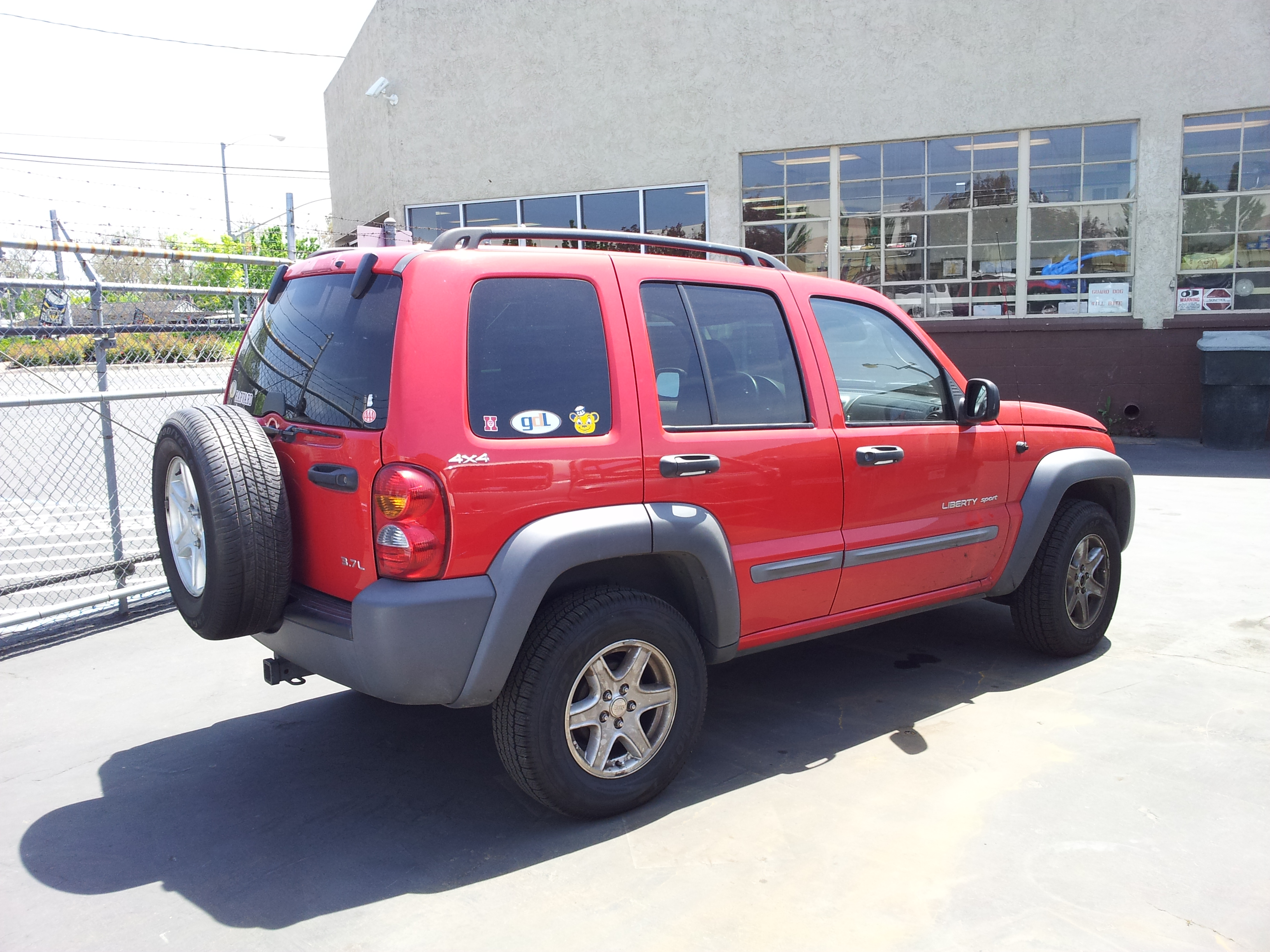 used salvage parts 2002 jeep liberty sport 4x4 3 7l v6 4 speed automatic subway truck parts. Black Bedroom Furniture Sets. Home Design Ideas